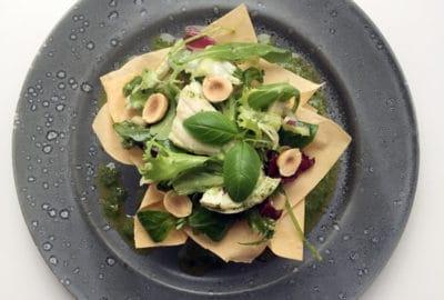 Kyllingsalat med krydderurtepesto