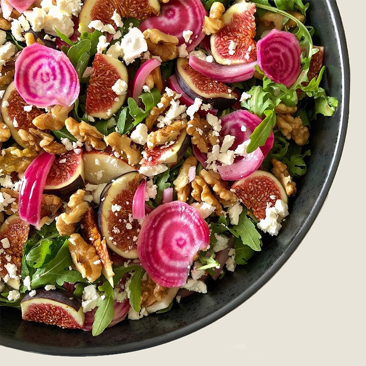 Salat med friske figner og bolsjebeder